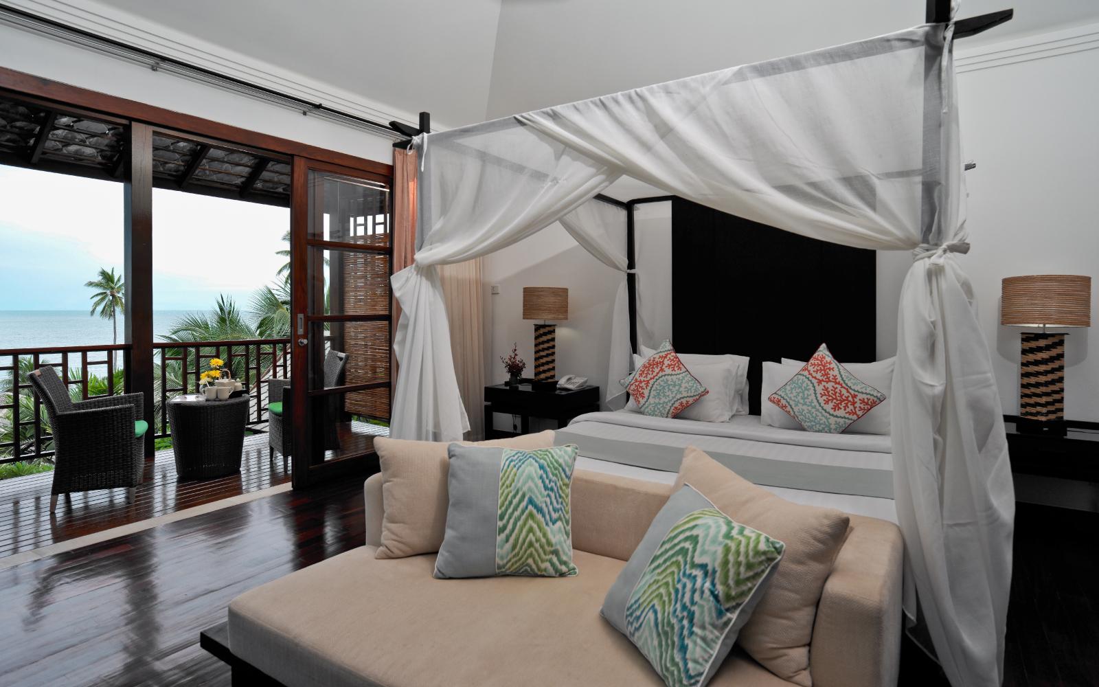 Kanda-Balcony-Pool-Villa_Master