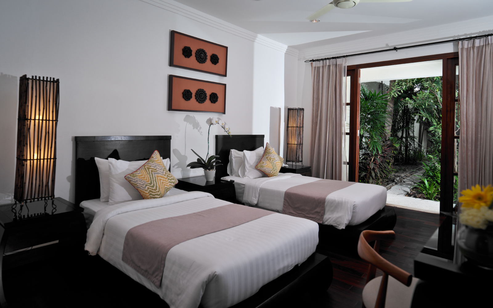 Kanda-Balcony-Pool-Villa_Twin-Bedroom
